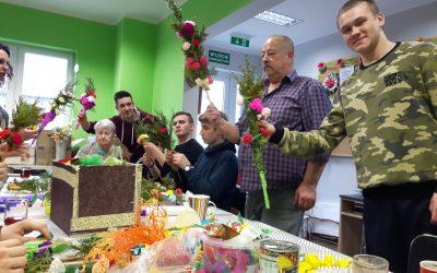 Przygotowania Wielkanocne z pomocą naszych Wolontariuszy ;)